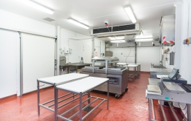 Neil-Bigwood-Commercial-Complete-Meats-Factory-Tour-08