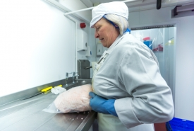 Neil-Bigwood-Commercial-Complete-Meats-Factory-Tour-179